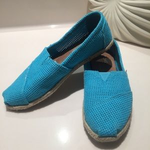 Toms turquoise flat espadrilles
